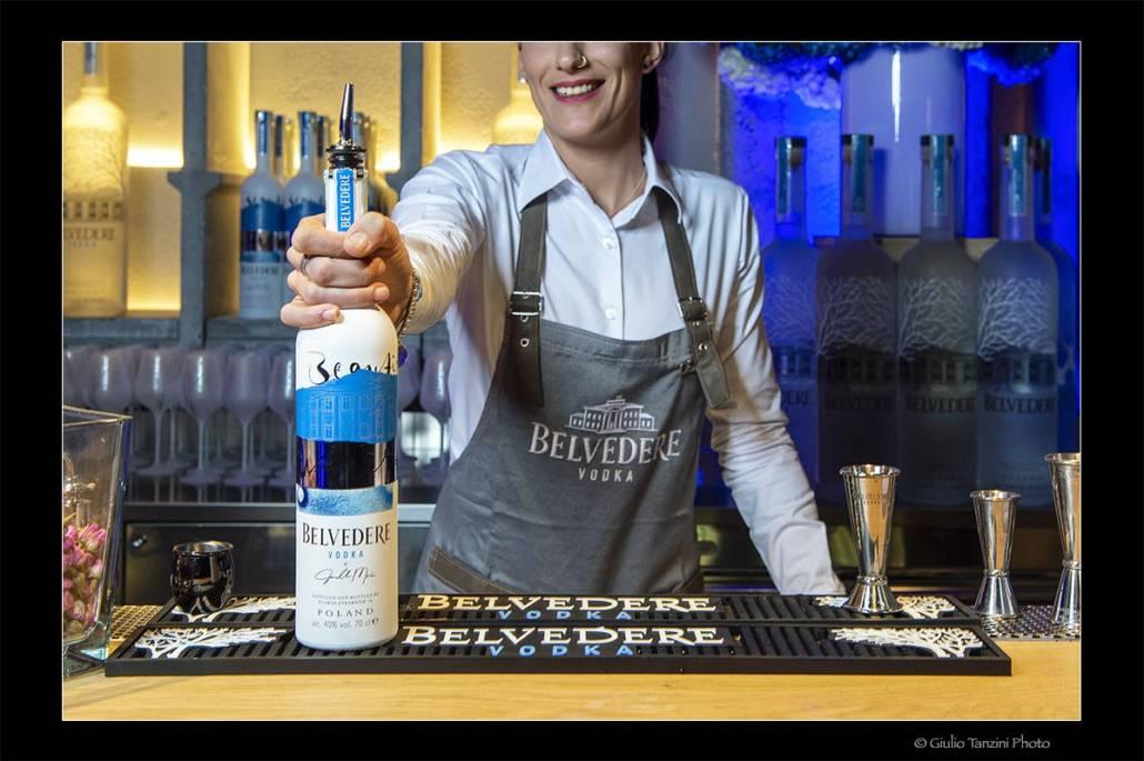 bartender evento belvedere vodka