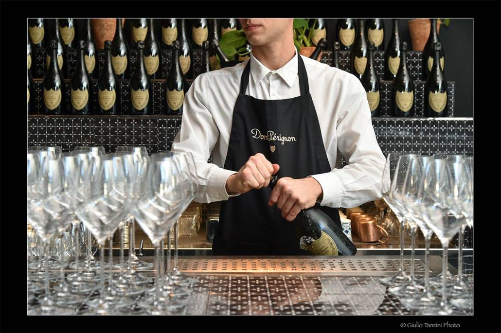 Shooting for Moet & Chandon Sommelier apertura champagne Dom Perignon
